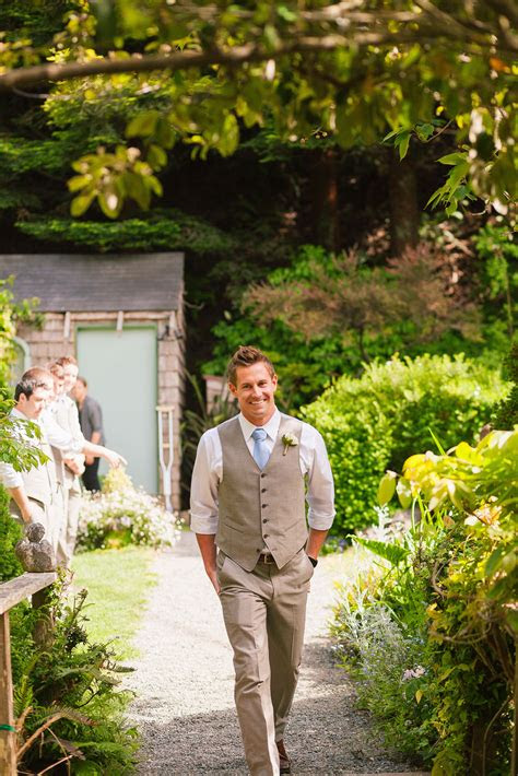 What Does A Man Wear To An Outdoor Wedding