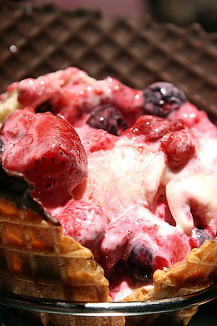 Mix berries cream cheesecake in a chocolate waffle cone