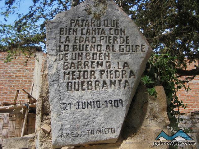 Mensaje en piedra