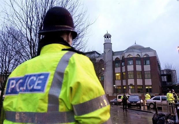 Resultado de imagem para ataque na mesquita em londres