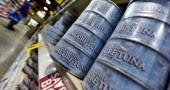 5. Una porzione di tonno da 85 grammi contiene circa 800 mg di Omega 3, che possono aiutare quando vi sentite giù o siete ansiosi. Secondo  la  American Psychiatric Association i grassi acidi del tonno sono utili per curare la depressione (Foto: JEWEL SAMAD/AFP/Getty Images)
