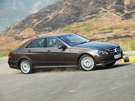 Mercedes-Benz E350 CDI cornering