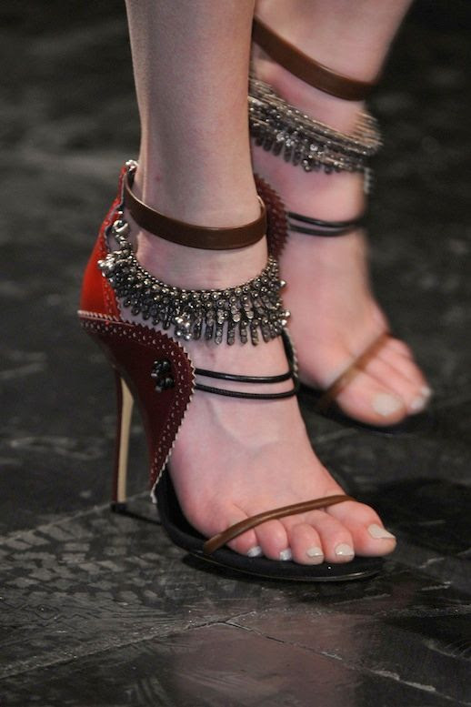 LE FASHION NYFW SHOE CRUSH PRABAL GURUNG FW 2014 JEWELED LAYERED EMBELLISHED ANKLE STRAP RED LEATHER HEELS NEPAL INSPIRED COLLECTION NEW YORK FASHION WEEK2 photo LEFASHIONNYFWSHOECRUSHPRABALGURUNGFW20142.jpg