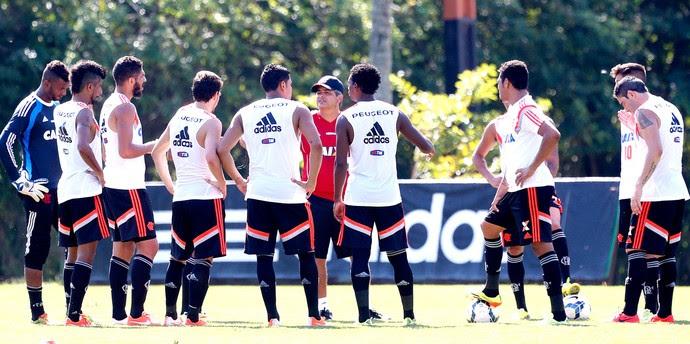Ney Franco treino flamengo (Foto: Ivo González / Agência O Globo)