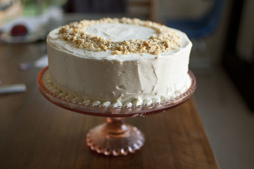carrot cake, vintage stand