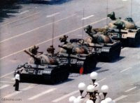 Protester v tank, Tiananmen Square, 4 June 1989