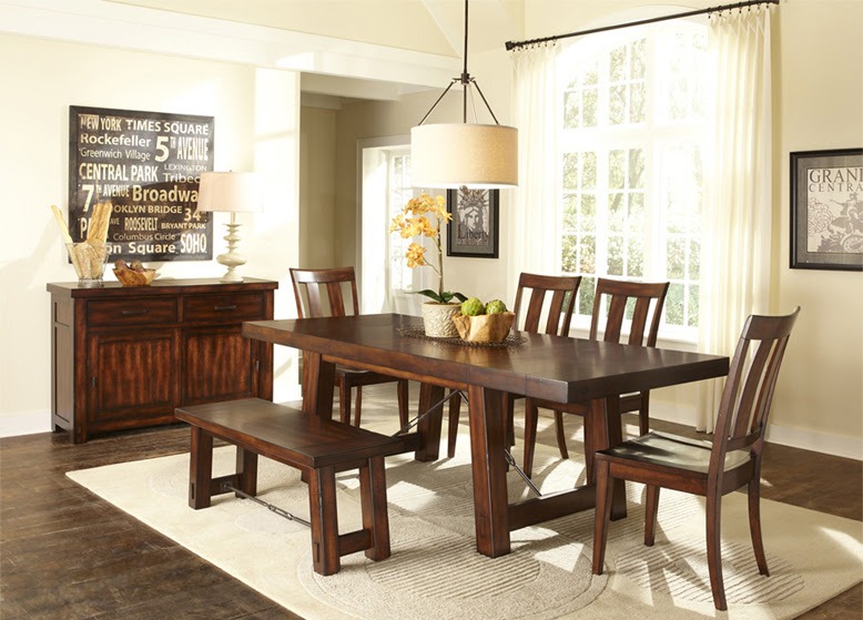 Casual Dining Room Set  5