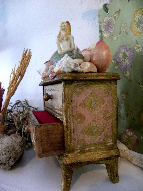 Mermaid's Shell-laden Tiny Dresser