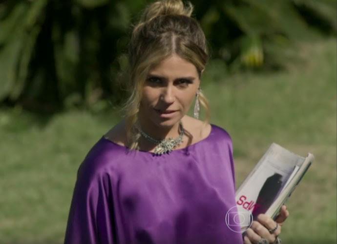 Atena ficou deslumbrante em longo roxo (Foto: TV Globo)