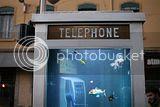 Aquário dentro da cabine telêfonica