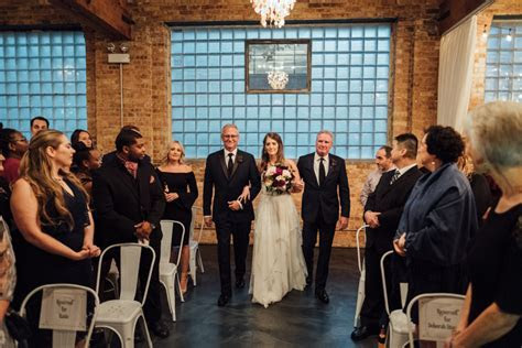 brique chicago wedding ceremony   Cling & Peck