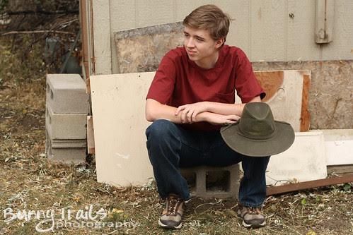 hat on knee