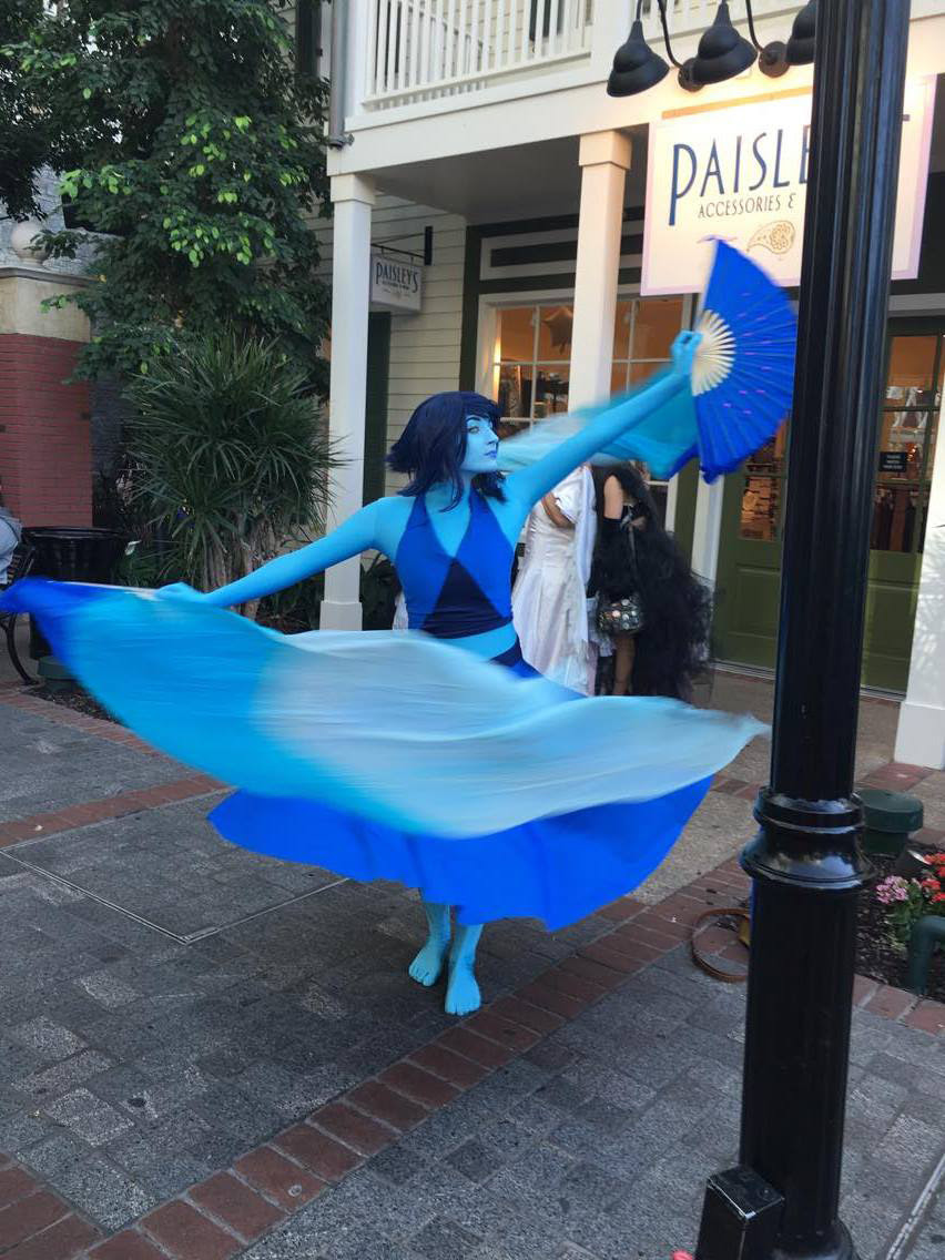 ~ Ocean Gem ~ I finally got to debut Lapis at Katsucon this year after last year's…. mishap. And by mishap I mean I left her dress on the sewing machine the night before we left and forgot to pack it....