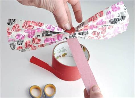 DIY Duct Tape Hair Bow   101 Duct Tape Crafts