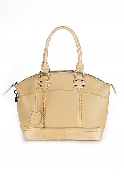 Najmodniejsze buty i torebki - lato 2012