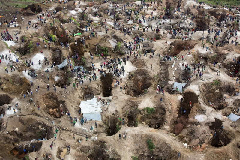 <p>Imagen general de la mina de coltán Luwowo, cerca de Rubaya, en República Democrática del Congo. Marzo de 2014.</p>