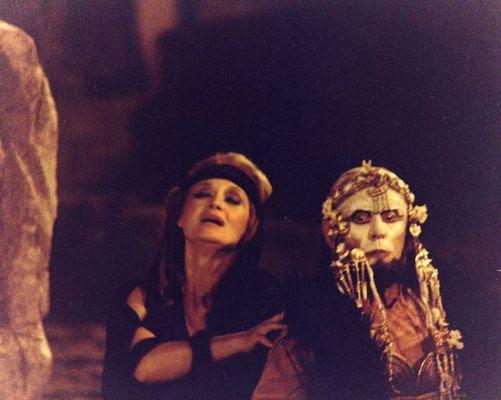http://www.komvos.edu.gr/masks/images/masks/e05.jpg