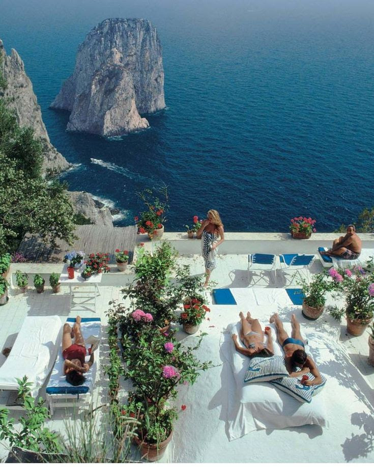 Vintage Jet Set - The good life on the Amalfi Coast. Slim Aarons photograph.