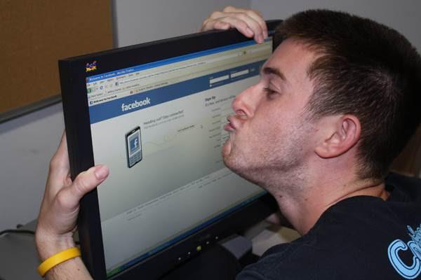 ketagih facebook 636