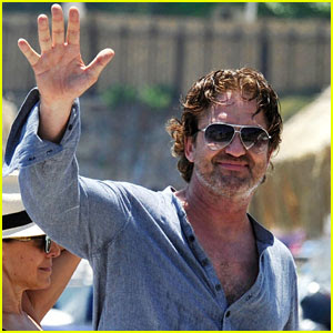 Gerard Butler Waves Goodbye After a Quick Trip to Italy!