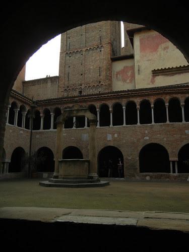 DSCN4930 _ Basilica Santuario Santo Stefano, Bologna, 18 October