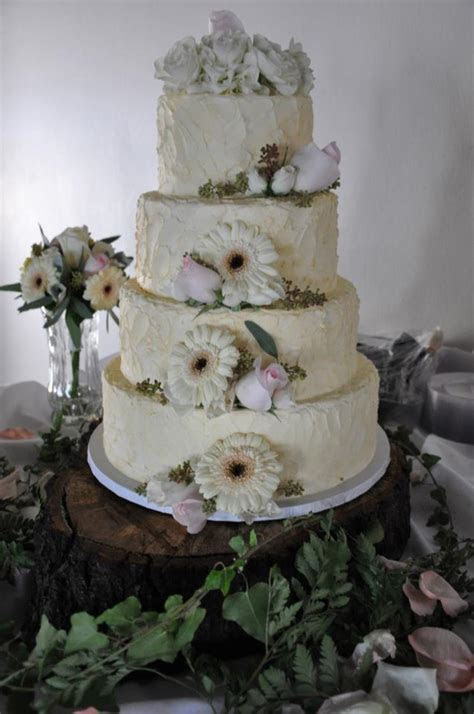 Spectacular Spring Flavors for a Fabulous Wedding Cake