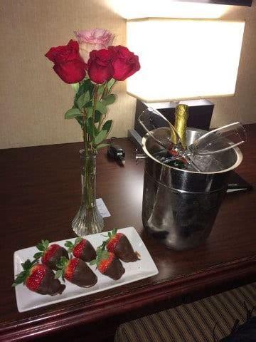 Ideas faciles para organizar cenas romanticas en casa