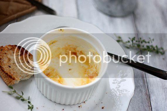 Baked eggs 5