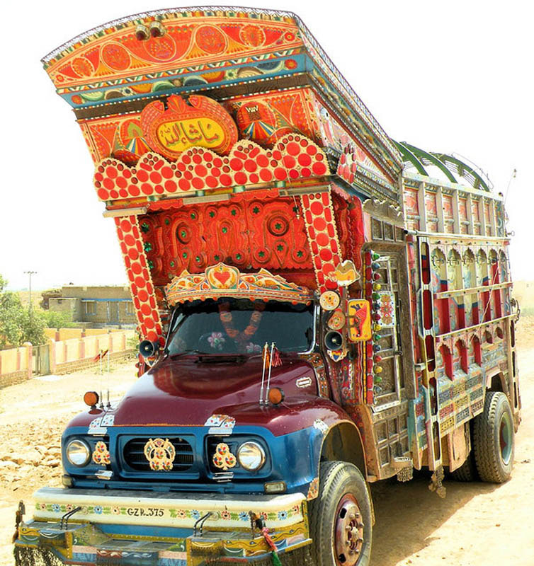 dekoratif-boyama-kamyon-pakistan-sanat