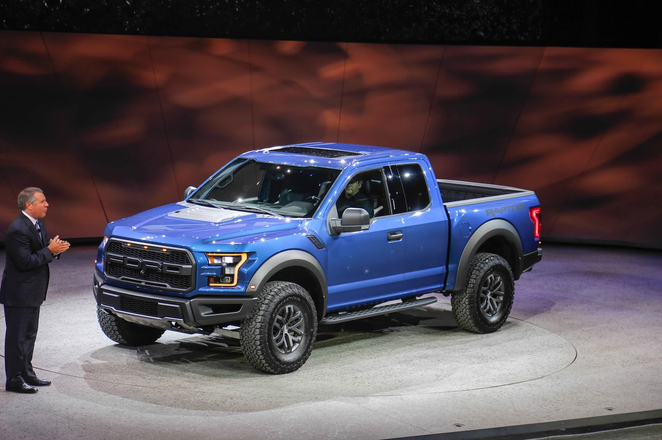 2017 Ford F-150 Raptor First Look Photo Gallery - Motor Trend