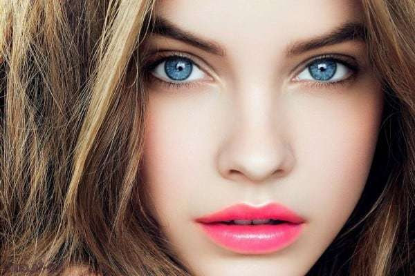 Best eyeshadow color for blue eyes and red hair