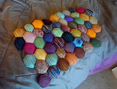 The Beekeeper's Quilt hexapuff Tinyowlknits hexis sock yarn scrap afghan blanket