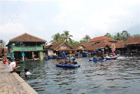 pandeglang undang investor kelola objek wisata cikoromoy