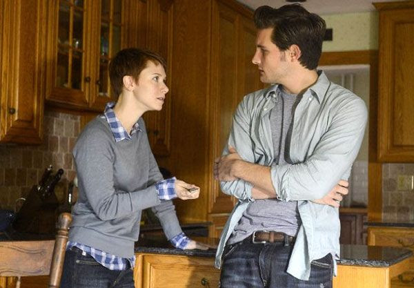 Valorie Curry and Nico Tortorella play two cult followers in THE FOLLOWING.