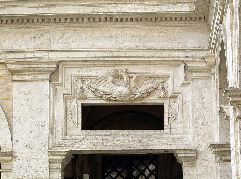 File:Sant'ivo alla sapienza, cortile 06.JPG