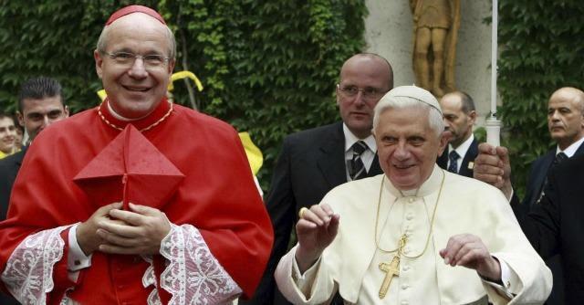 """Conchita Wurst, l'arcivescovo di Vienna Schönborn la """"benedice"""": """"Merita rispetto"""""""