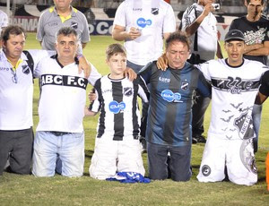 Rubens Guilherme, presidente do ABC, em oração (Foto: Frankie Marcone/Divulgação/ABC)