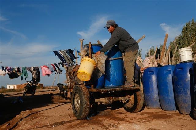 La falta de agua determina el ritmo de la vida en esta localidad
