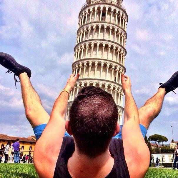 Ποζάροντας με τον Πύργο της Πίζας (7)