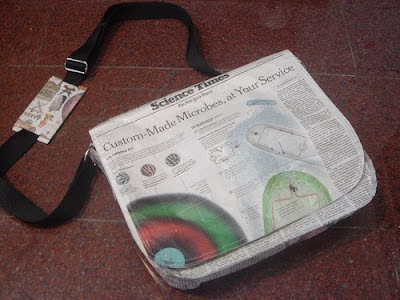 laptop bag made from newspaper (2) 1