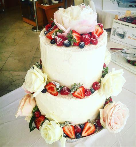 Red Velvet & Vanilla Baked Cheesecake Wedding Cake
