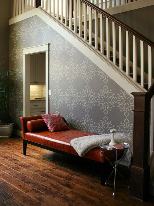 Stenciled Wall eclectic entry
