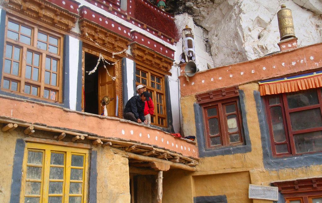 O enigmático Monastério de Phugtal, na Índia 07