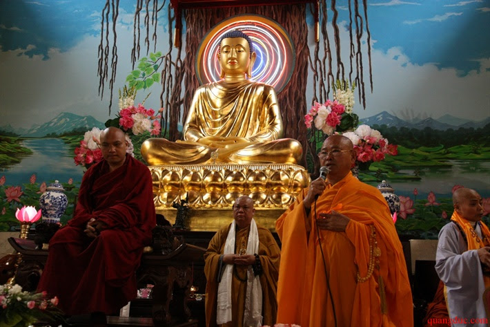 Duc Karmapa vieng tham Chua Khanh Anh (111)
