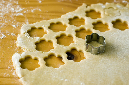 mallows - cutting cookies
