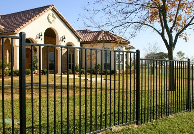 Design Ideas for Your Fence, Front Yard and Backyard Designs