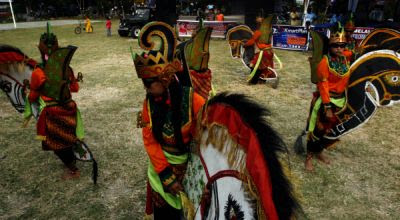 Kuda Lumping - www.jurukunci.net