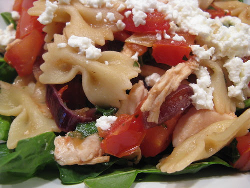 Farfalle with chicken, caramelized onions, tomatos & goat cheese