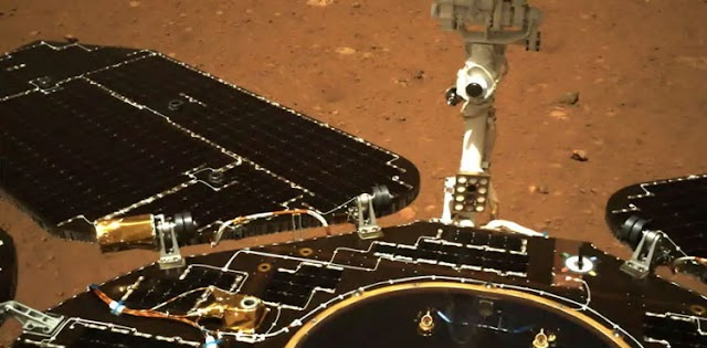 China's Martian rover takes first drive on Red Planet