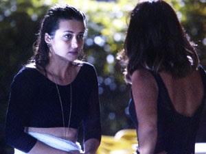 Sobrou pra Jade se explicar com Roberta (Foto: TV Globo)